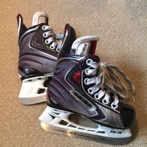 Child's Bauer Vapor skates
